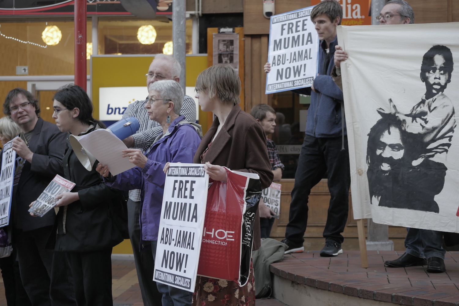 Mumia protest Wellington May 2015